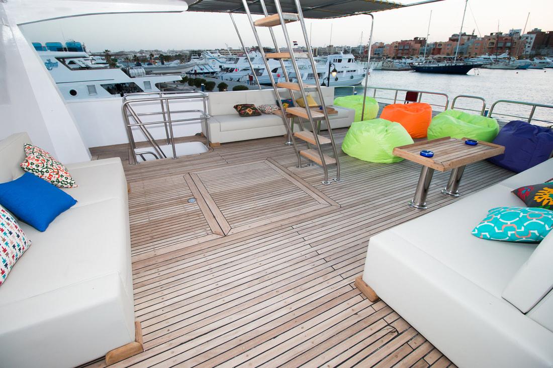 dive pro- red-sea-live-aboard-sun-deck-hammerhead-safari-001_orig
