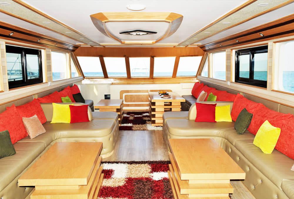 Egypt-REDSEA-Hurghada-DivePro-Academy-Scuba-Diving-Center-Daily-Boat-Sofa-2