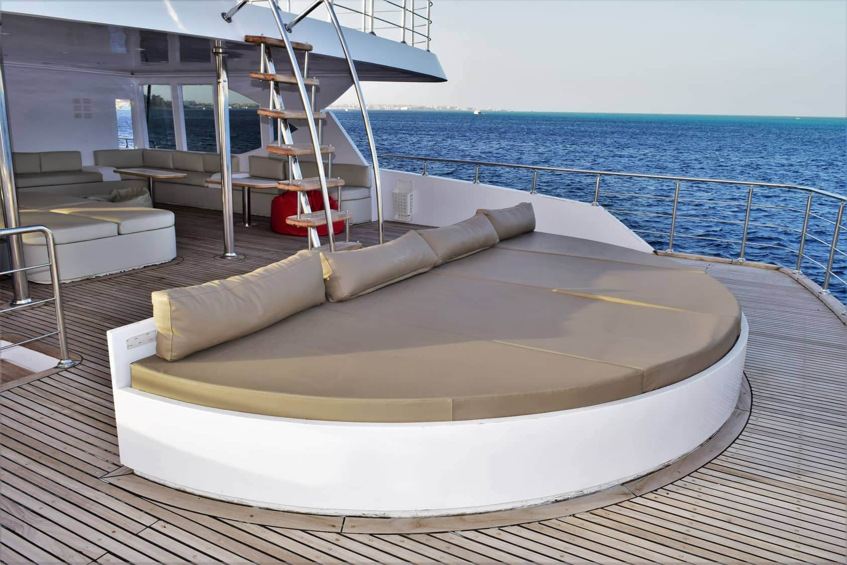 Egypt-REDSEA-Hurghada-DivePro-Academy-Scuba-Diving-Center-Safari-Boat-Roof2