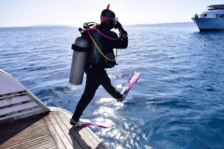 Egypt-REDSEA-Hurghada-DivePro-Academy-Scuba-Diving-Center-Scuba-Diver