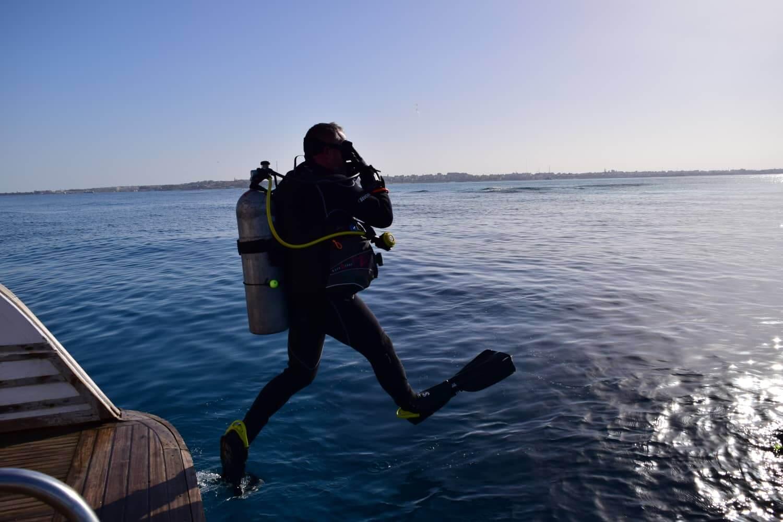 Egypt-REDSEA-Hurghada-Divepro-Academy-Diving-Center-Diver1